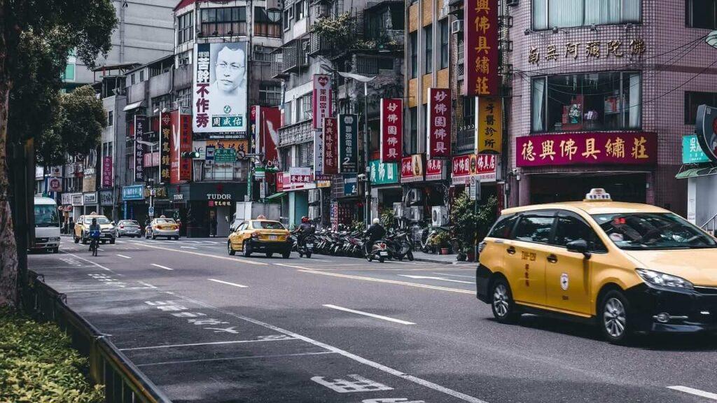 taiwan yellow taxi cabs