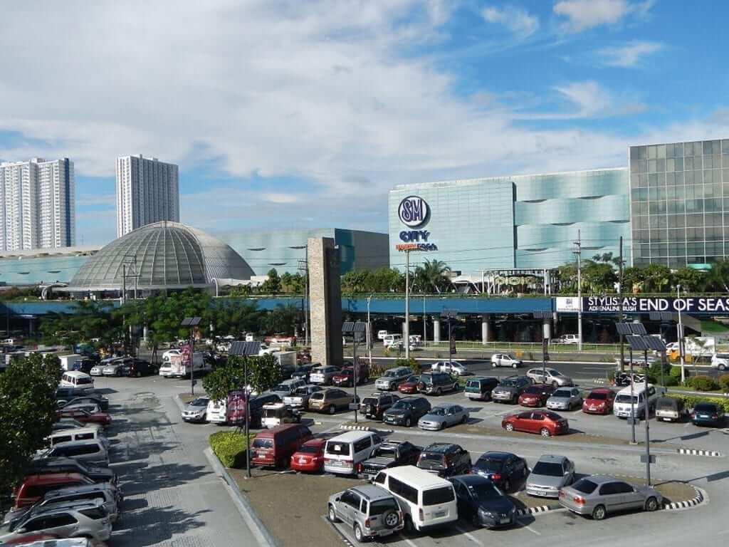 trinoma shopping mall