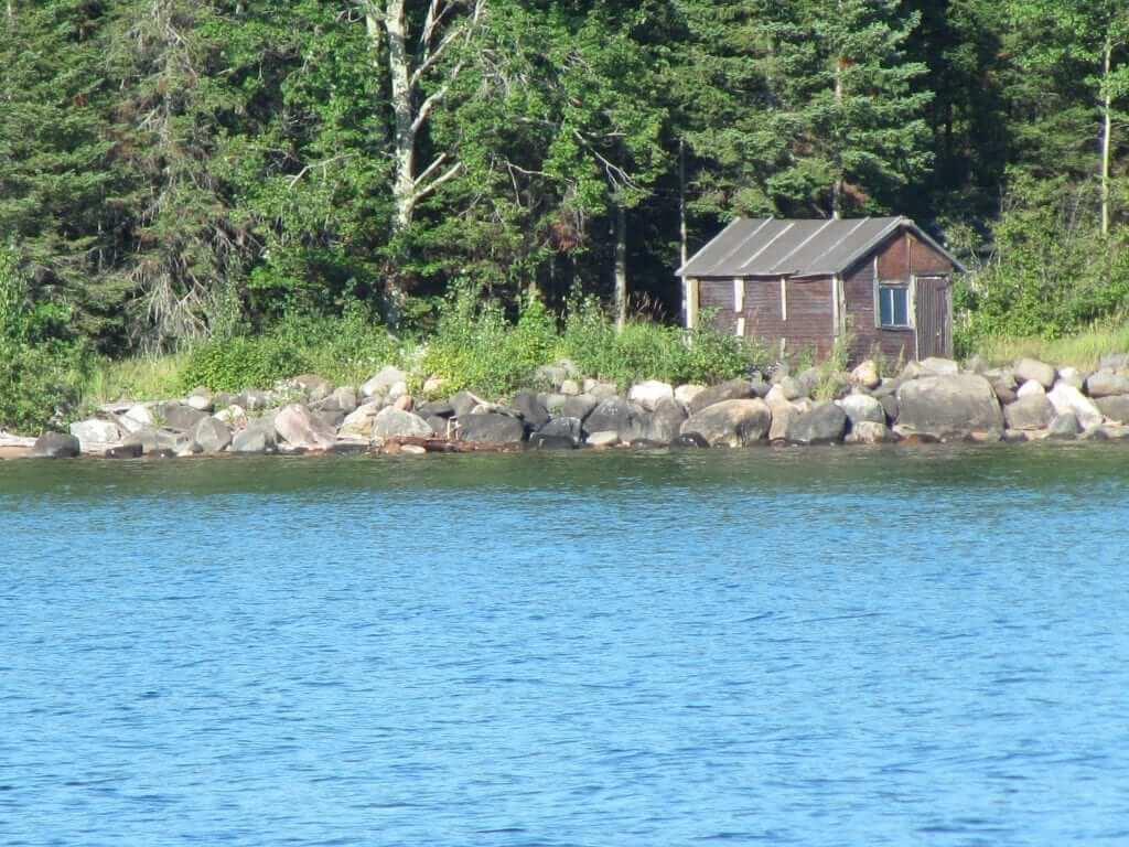 apostle island fishing lodge