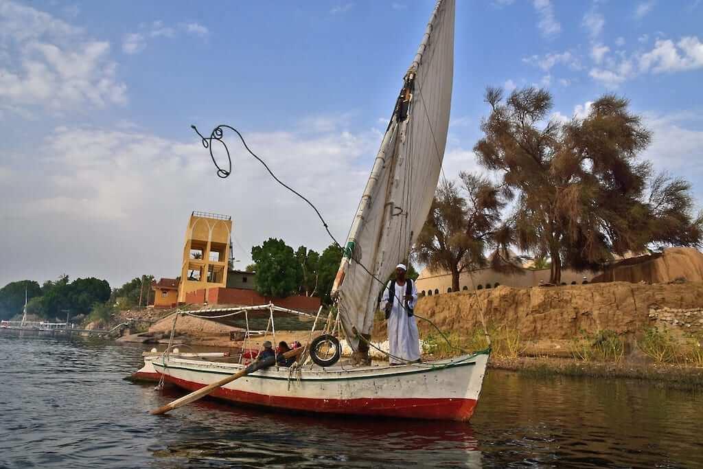 boat nile river
