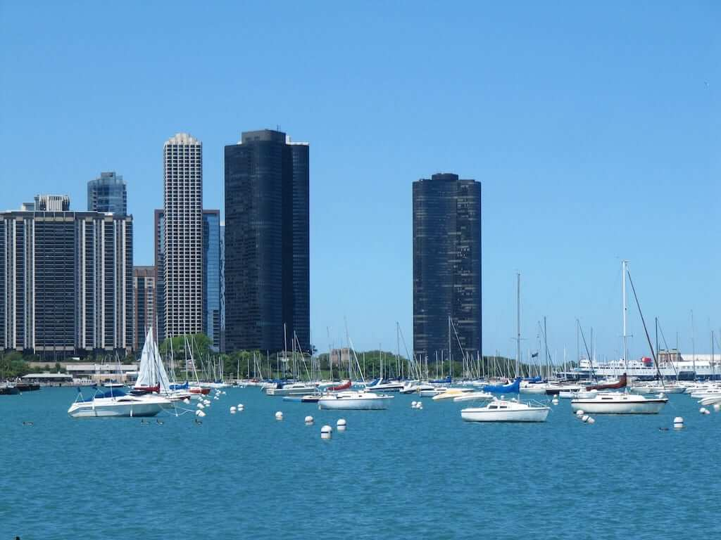 chicago lakefront boats
