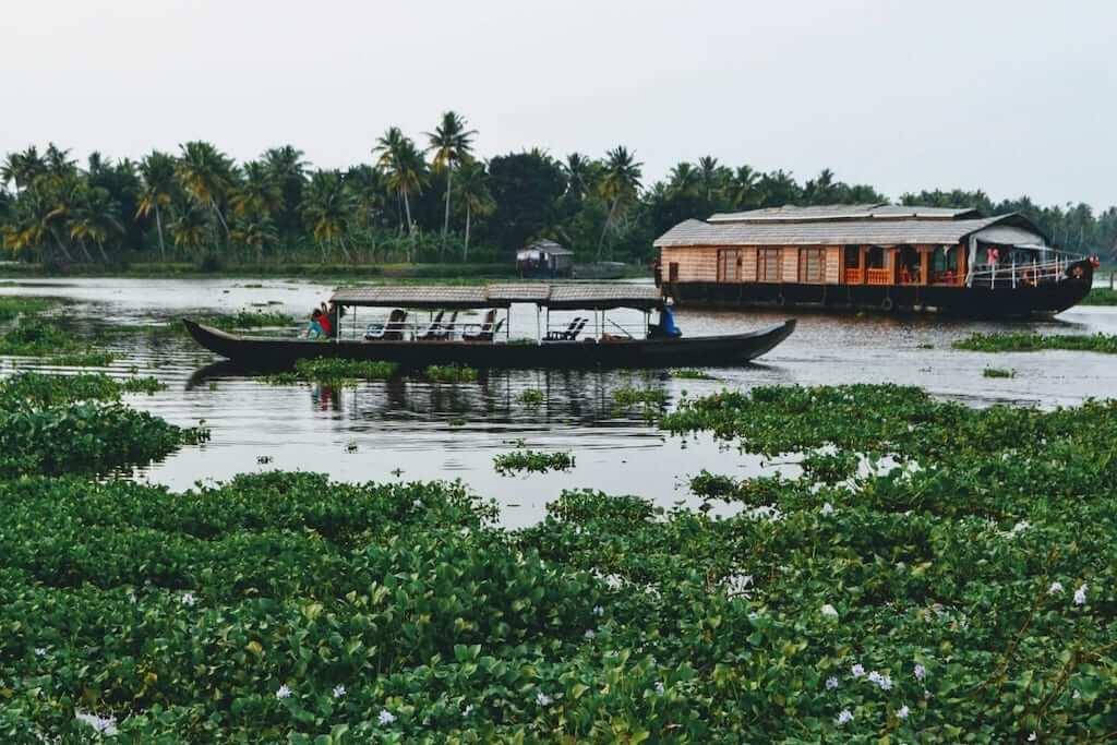 kerala houseboat river