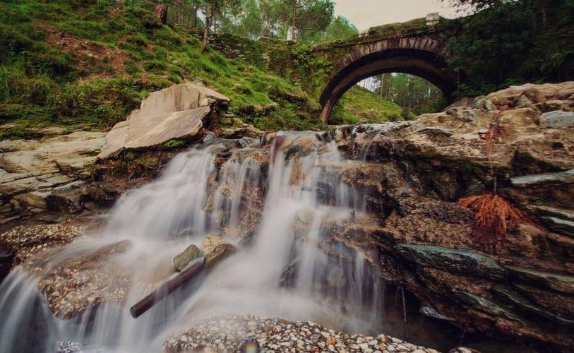 waterfall in uttarakhand