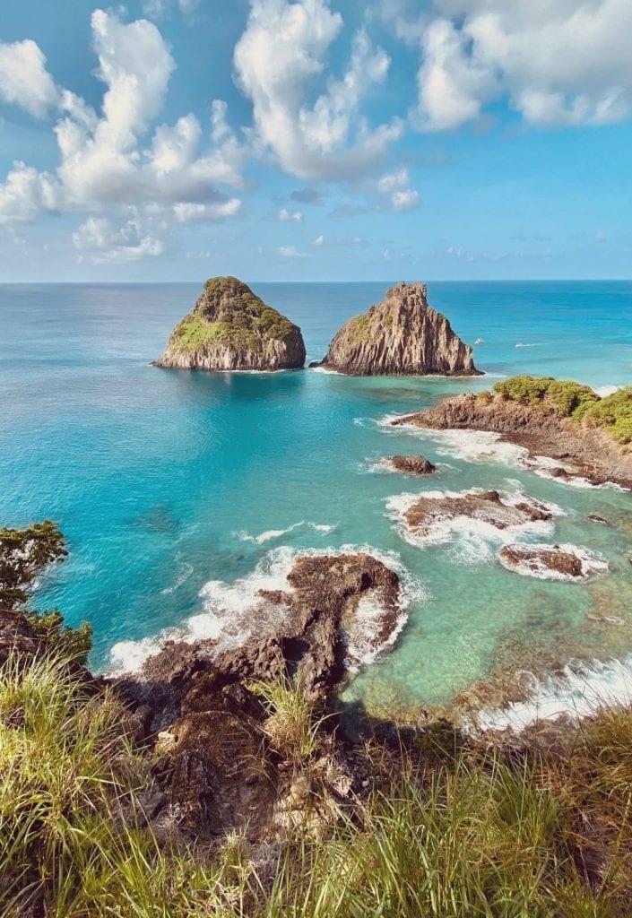 Sea and outcrops in the Fernando de Noronha Islands