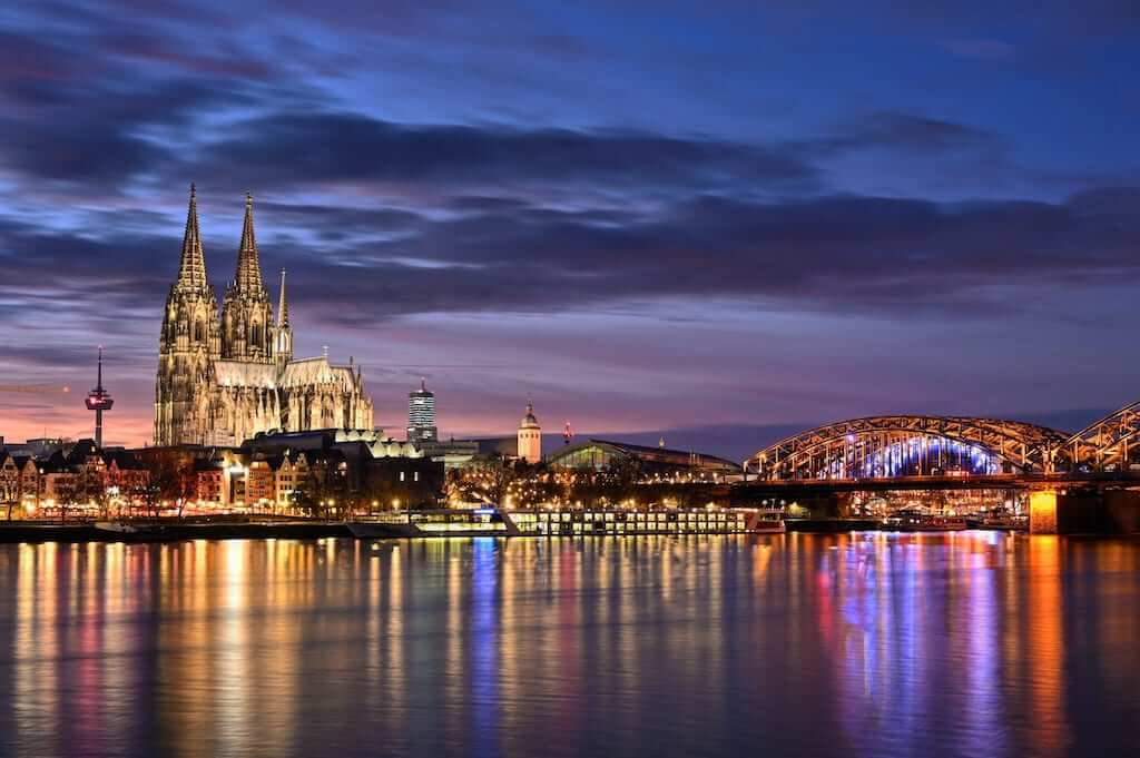 cologne cathedral skyline