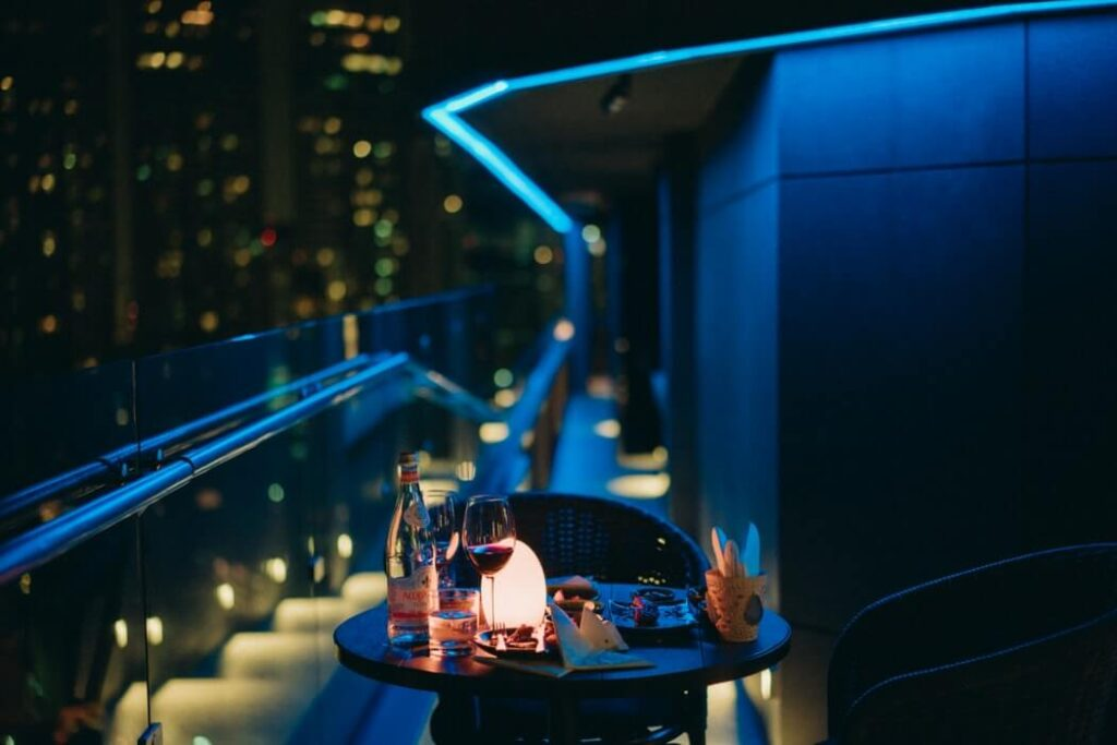 drinks balcony