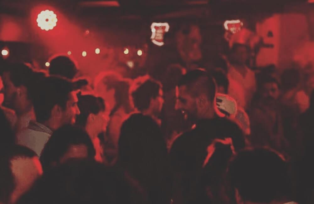 ayi pub and disko