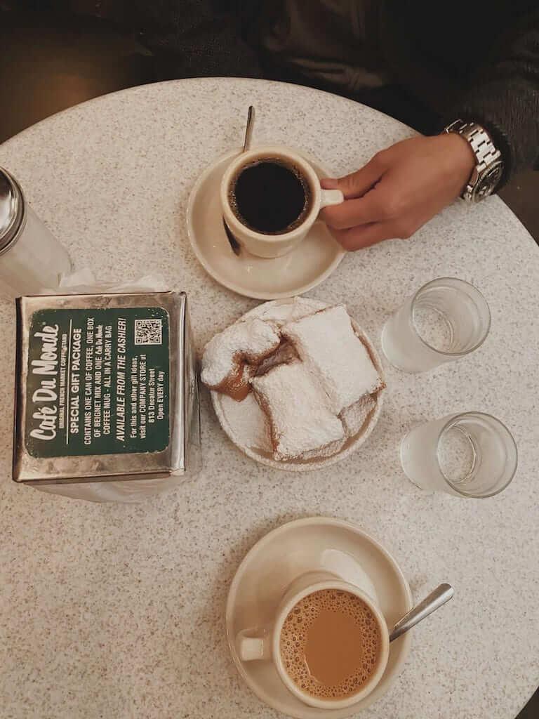 beignets coffee