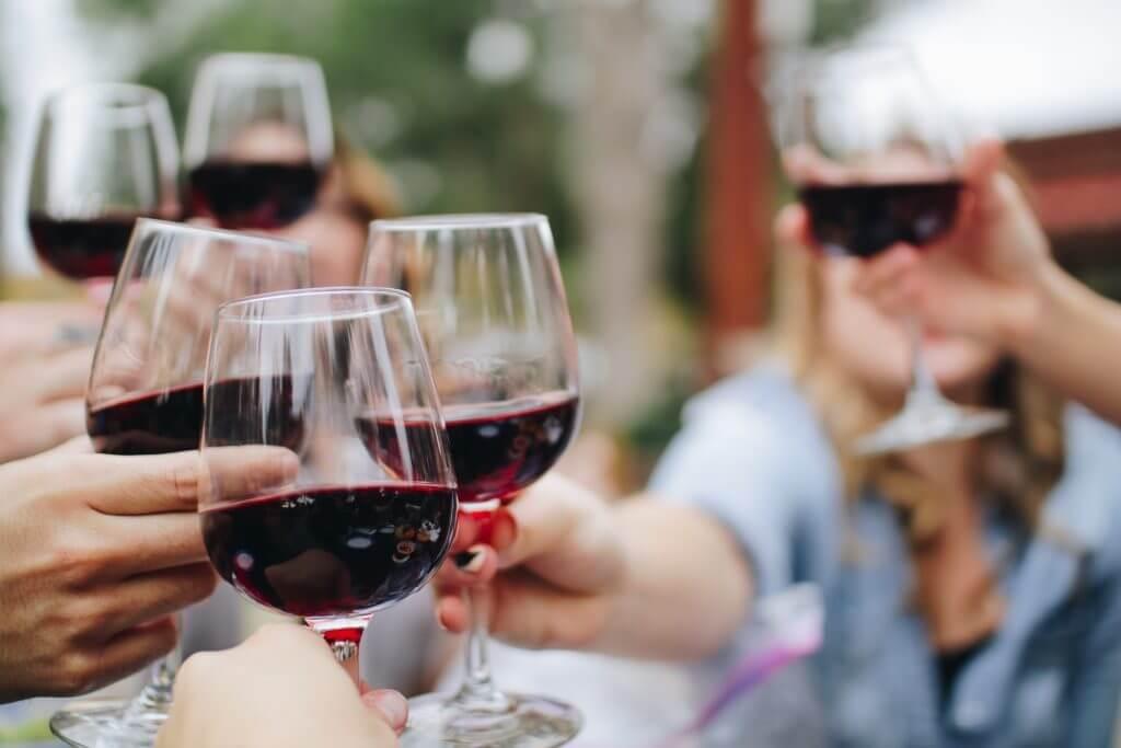 wine cheers toast