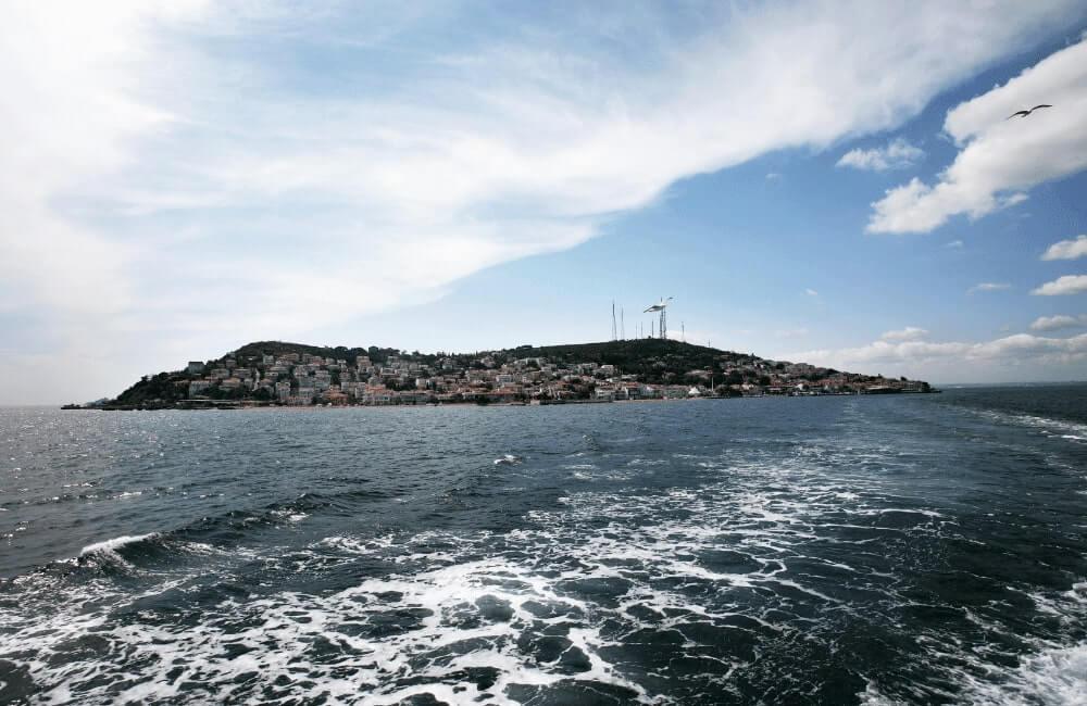 Kınalıada Island