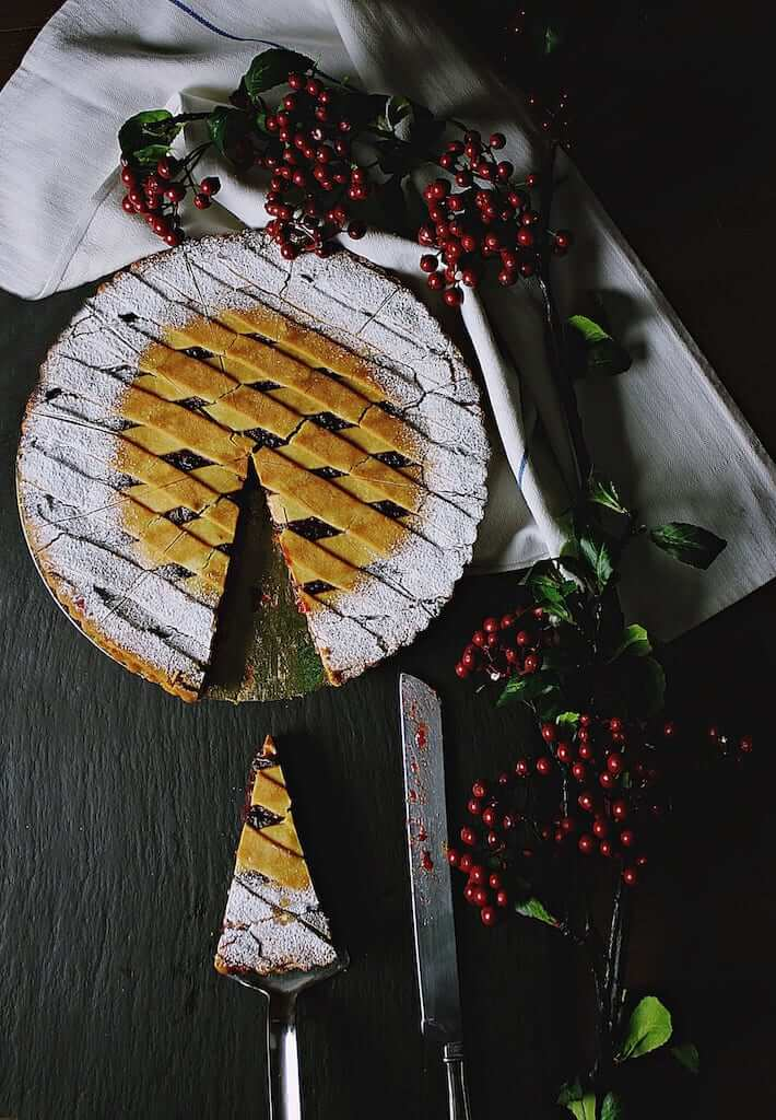 a blueberry pie