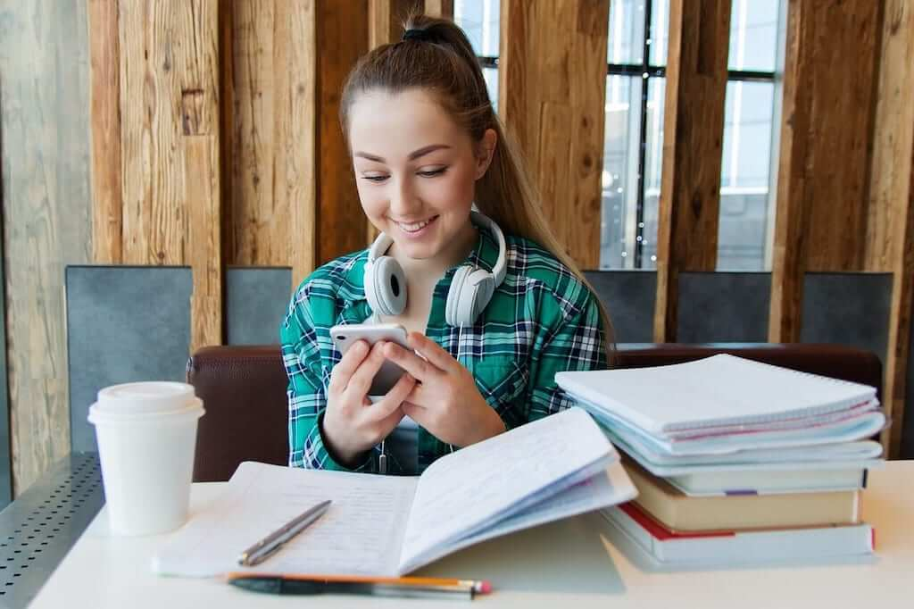 girl studying french with apps