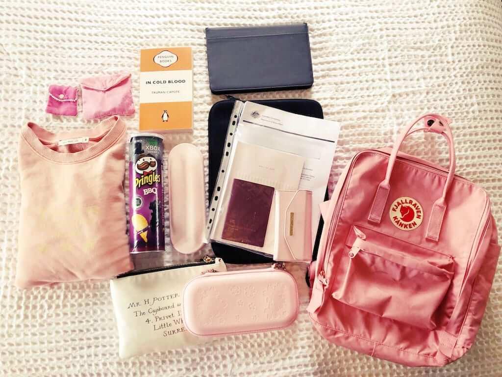 what is inside my pink kanken backpack