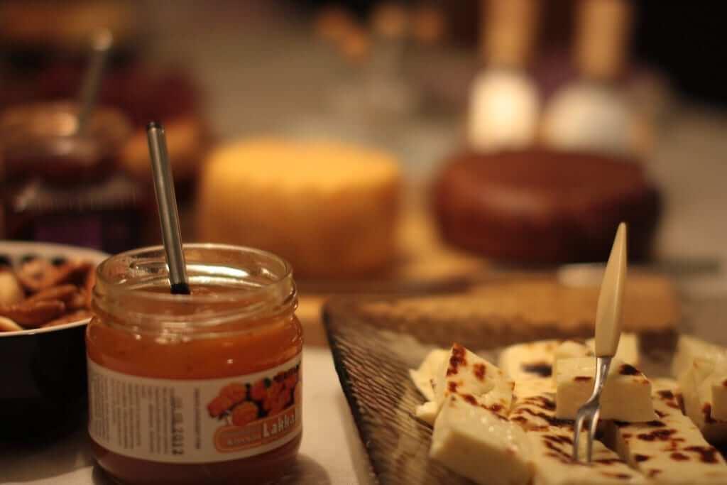 Leipäjuusto squeaky cheese dessert