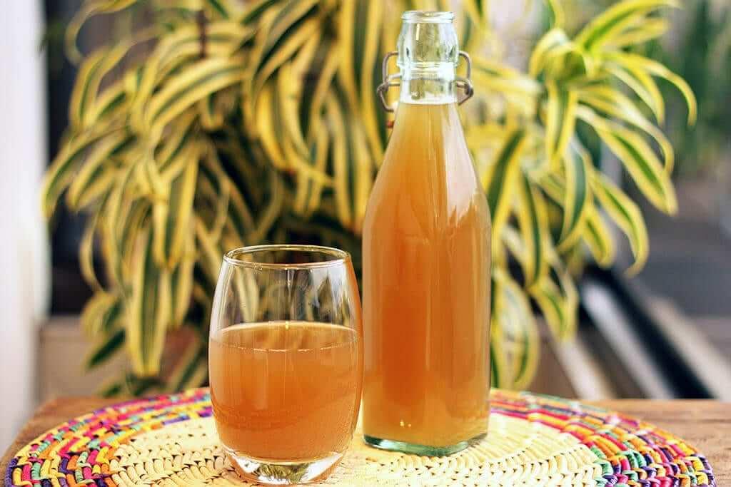 Glass of orange Aluá