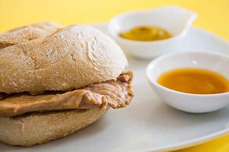 Bifana sandwich