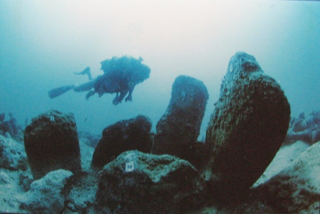 Diving in the underwater city of Atlit Yam