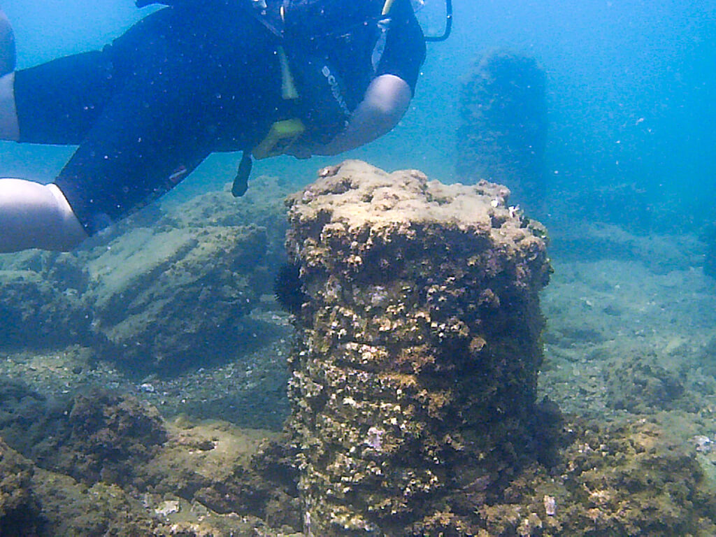 Diving in the ruins of Baia