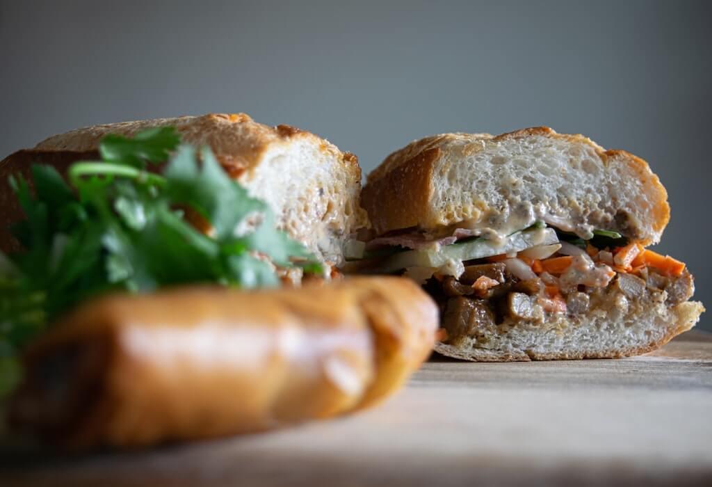 Bánh mì (Vietnamese sandwich)