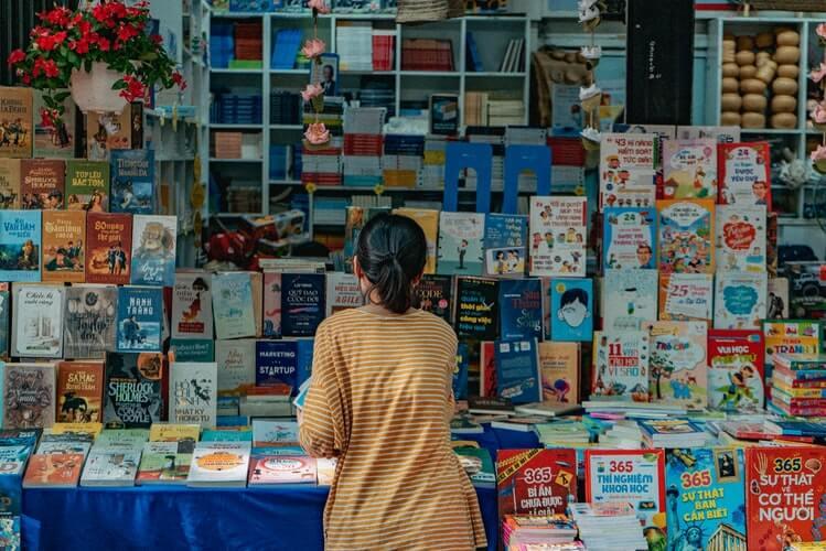 Bookstore selling Vietnamese books