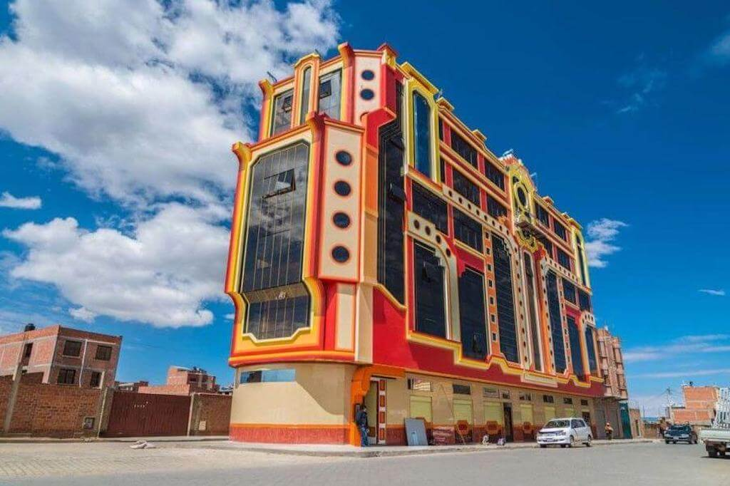 Colorful building architecture by Freddy Mamani
