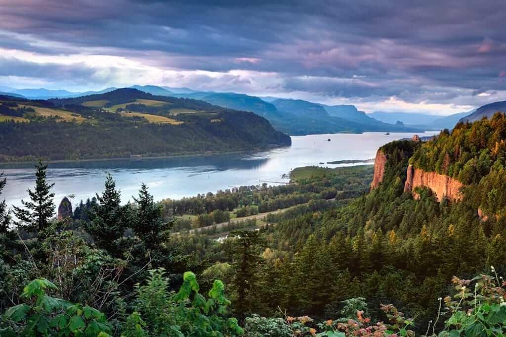 Landscape of Columbia River Gorge