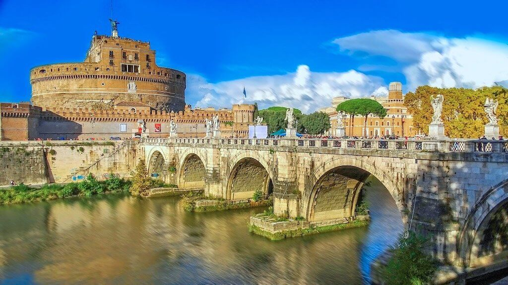 Beautiful bridge in Rome