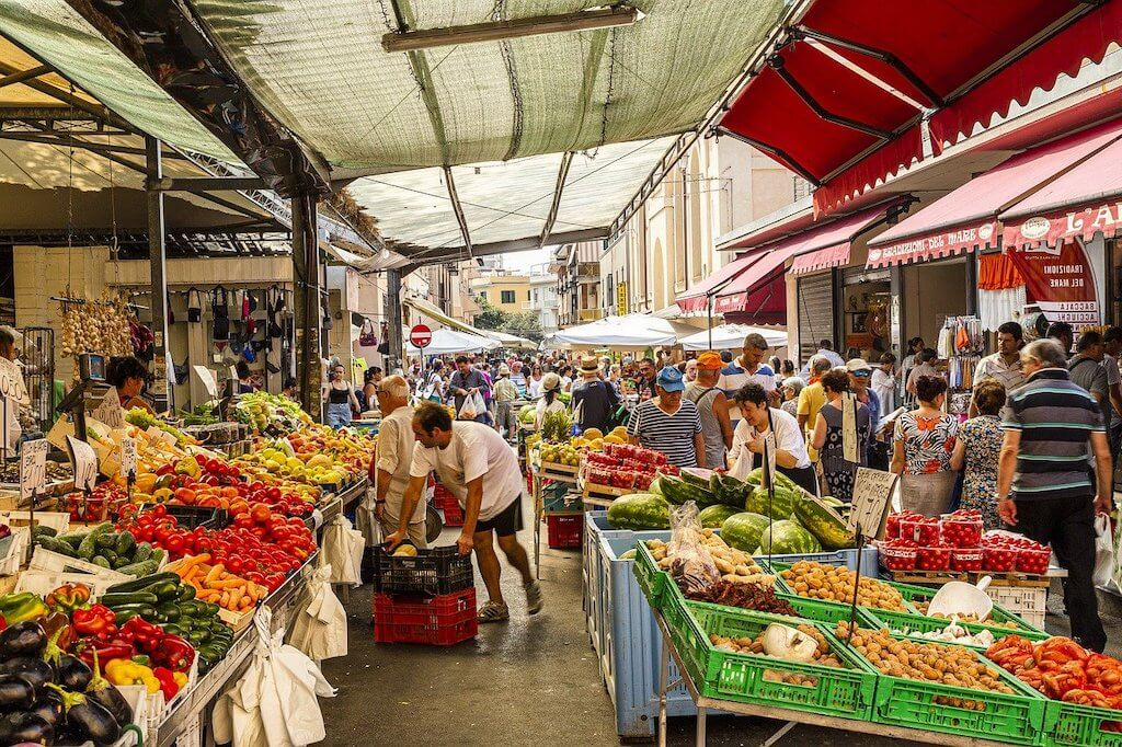 a vegetable market in Rome