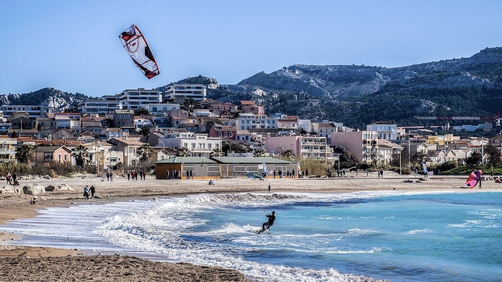 Parasailing on a beach in Marseille