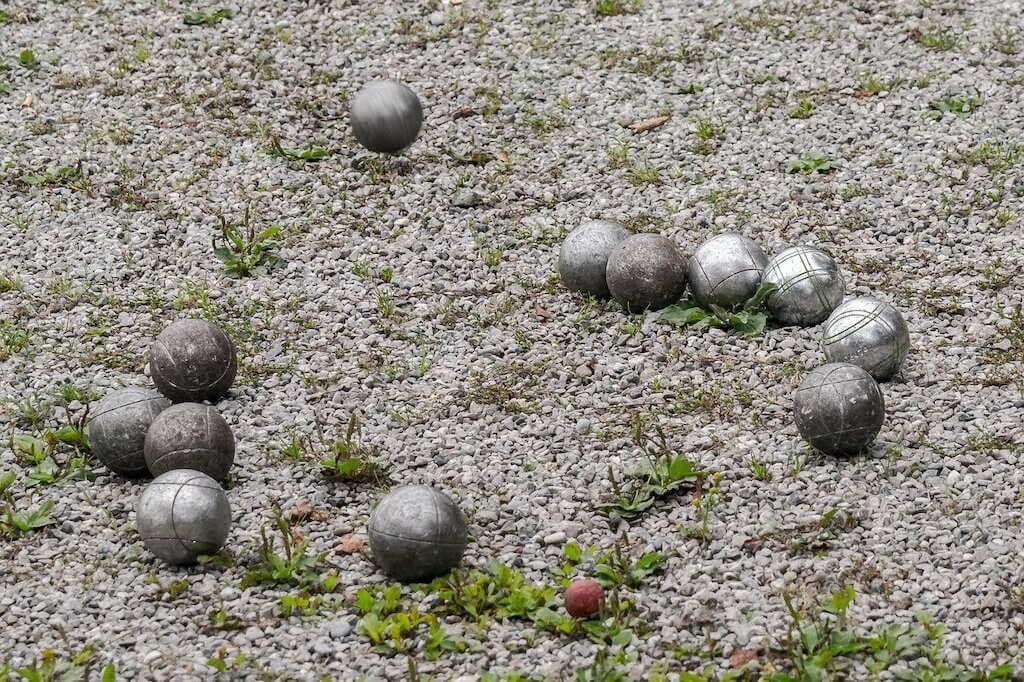 petanque-balls