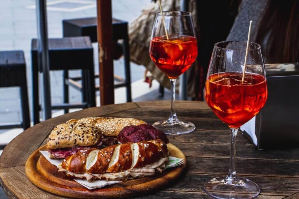 Wine and bread for Aperitivo