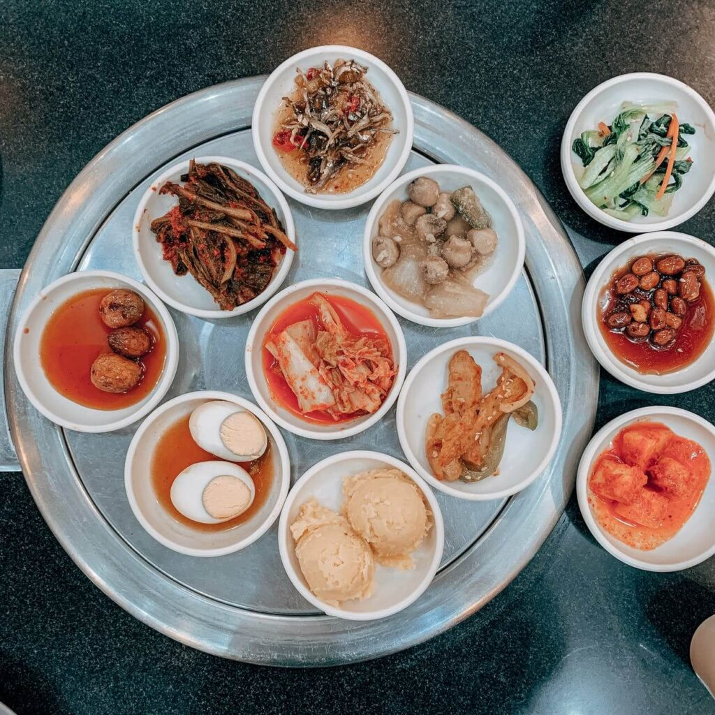 many korean side dishes