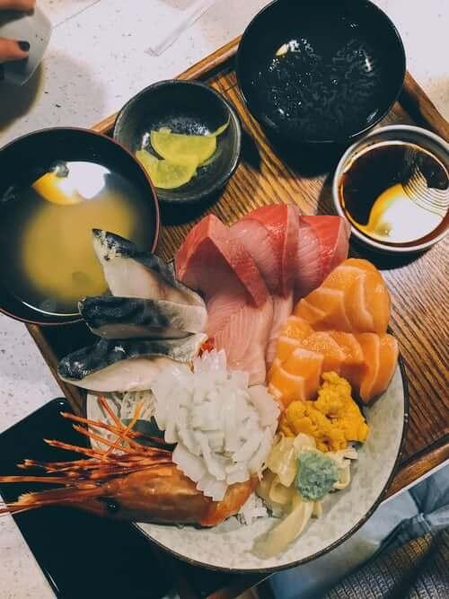 sashimi seafood