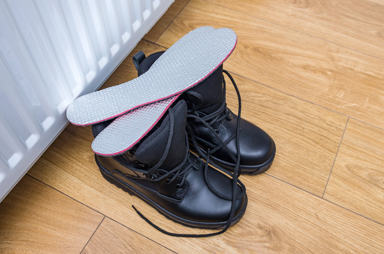 Heated insoles for boots